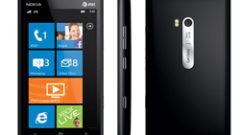 nokia-lumia-900-black-2