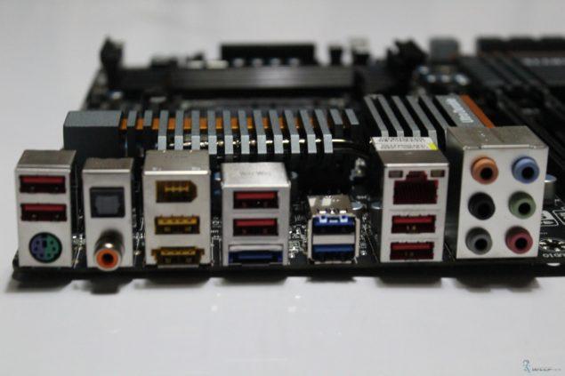 GA-990FX-UD7_16 (Custom)