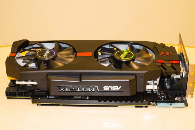 ASUS ROG MATRIX R9 280X Platinum Side 2