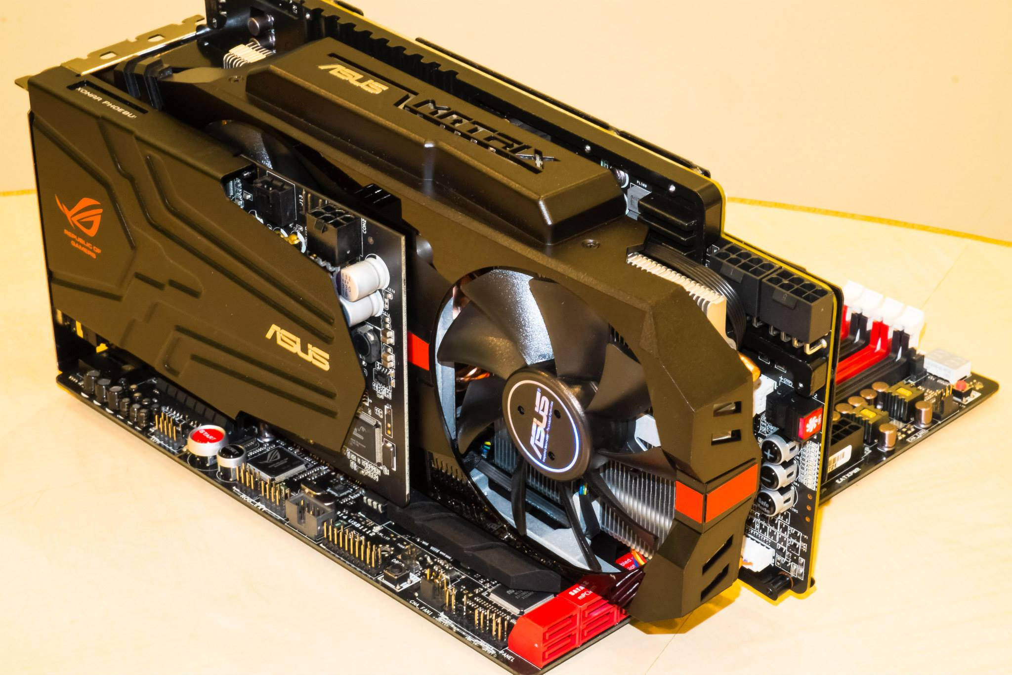 ASUS's Beastly ROG MATRIX R9 280X Platinum Spotted in The