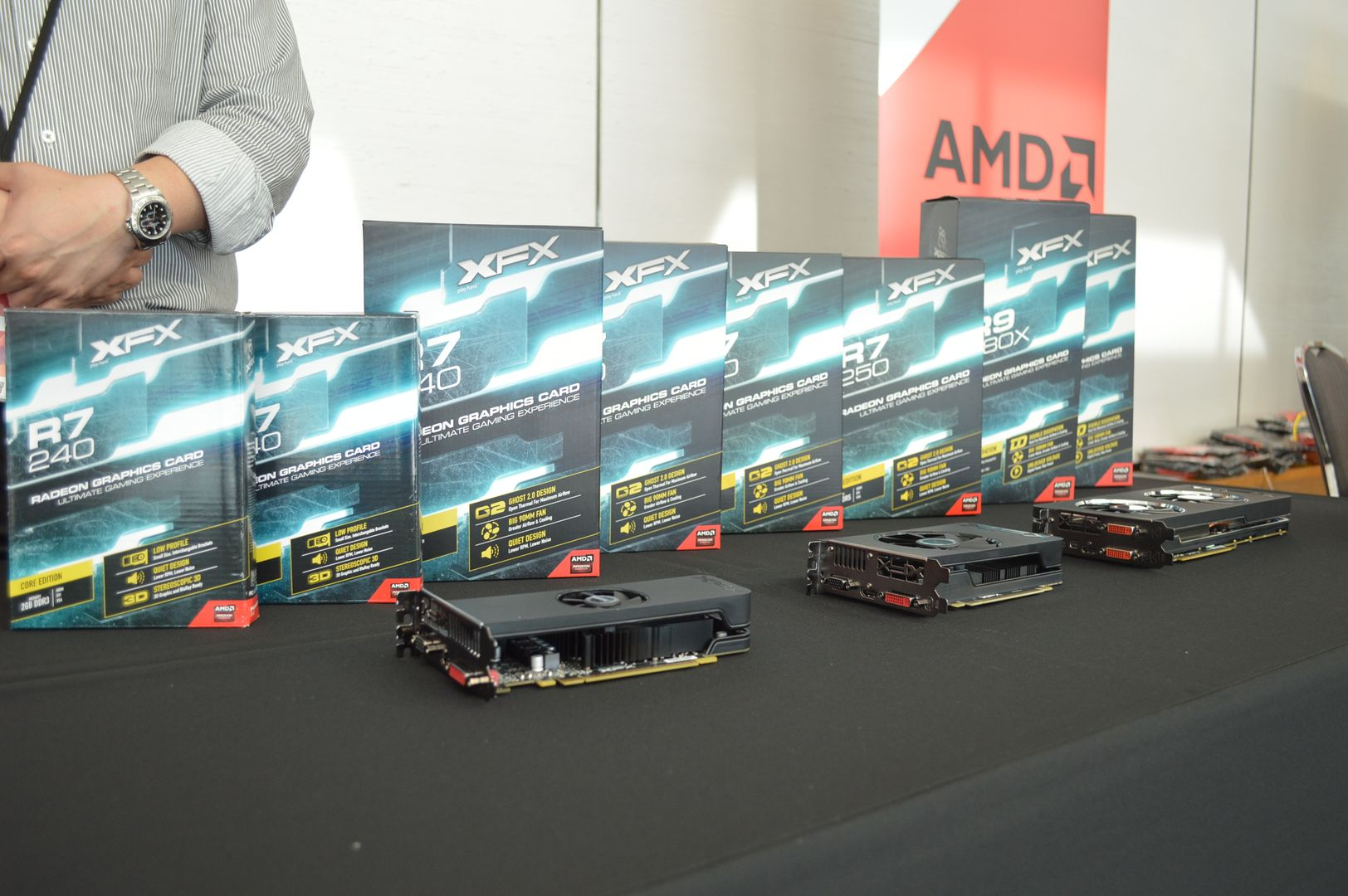 Entire AMD Radeon R9 280X, Radeon R9 270X And Radeon R7 Custom GPU