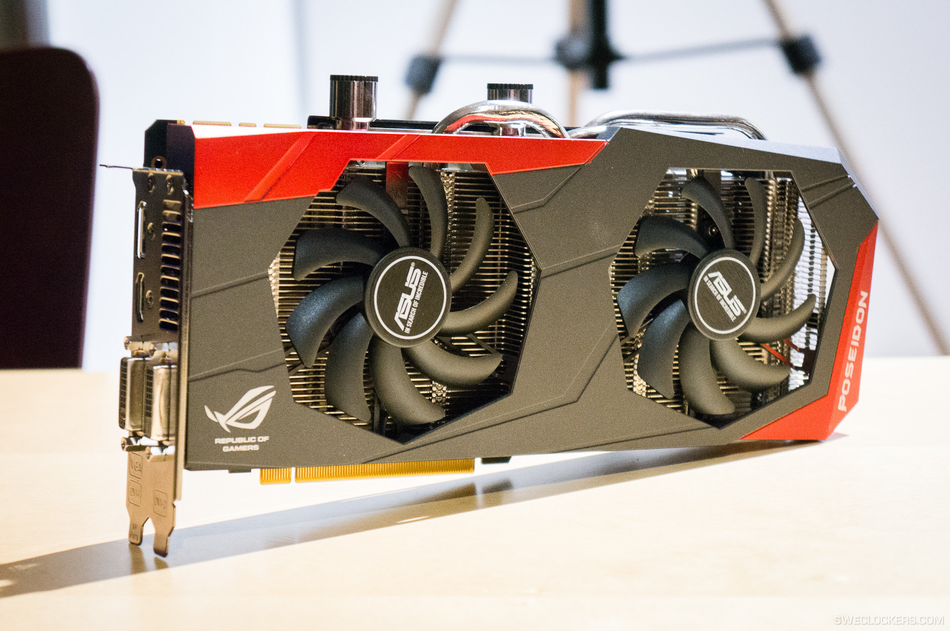 Asus shows off the rog gtx 780 poseidon with hybrid Rogg discount