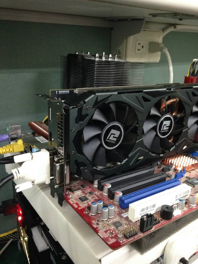Powercolor Radeon R9 290X PCS+ _4
