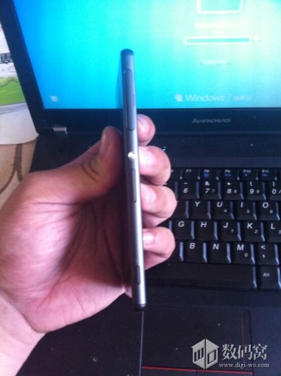 xperia-z3-picture-leak_3