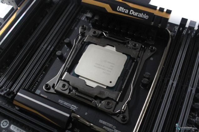 Gigabyte X99 UD7 WiFi_CPU Socket 3 (2)