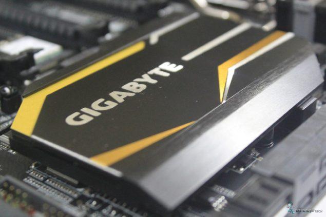 Gigabyte X99 UD7 WiFi_PCH Heatsink 2