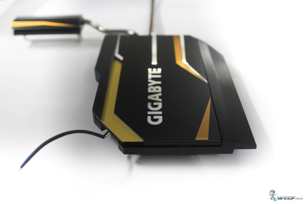 gigabyte-x99-ud7-wifi_pch-heatsink-off-1