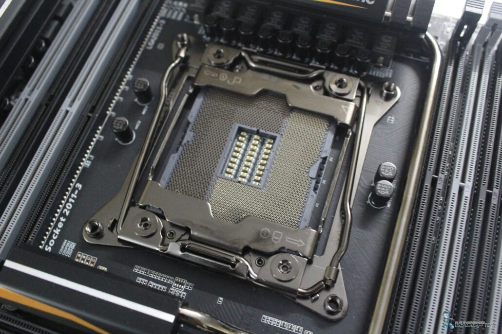 gigabyte-x99-ud7-wifi_socket