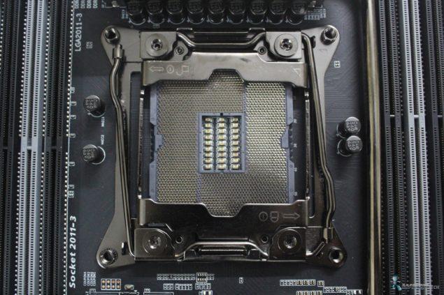Gigabyte X99 UD7 WiFi_Socket Front