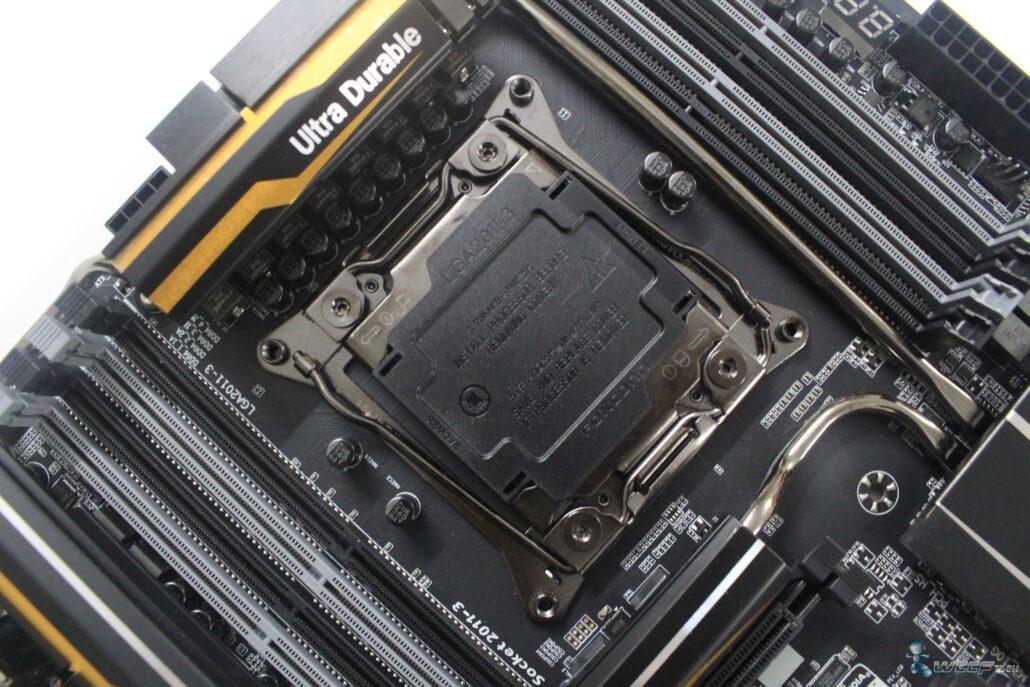 gigabyte-x99-ud7-wifi_top-side