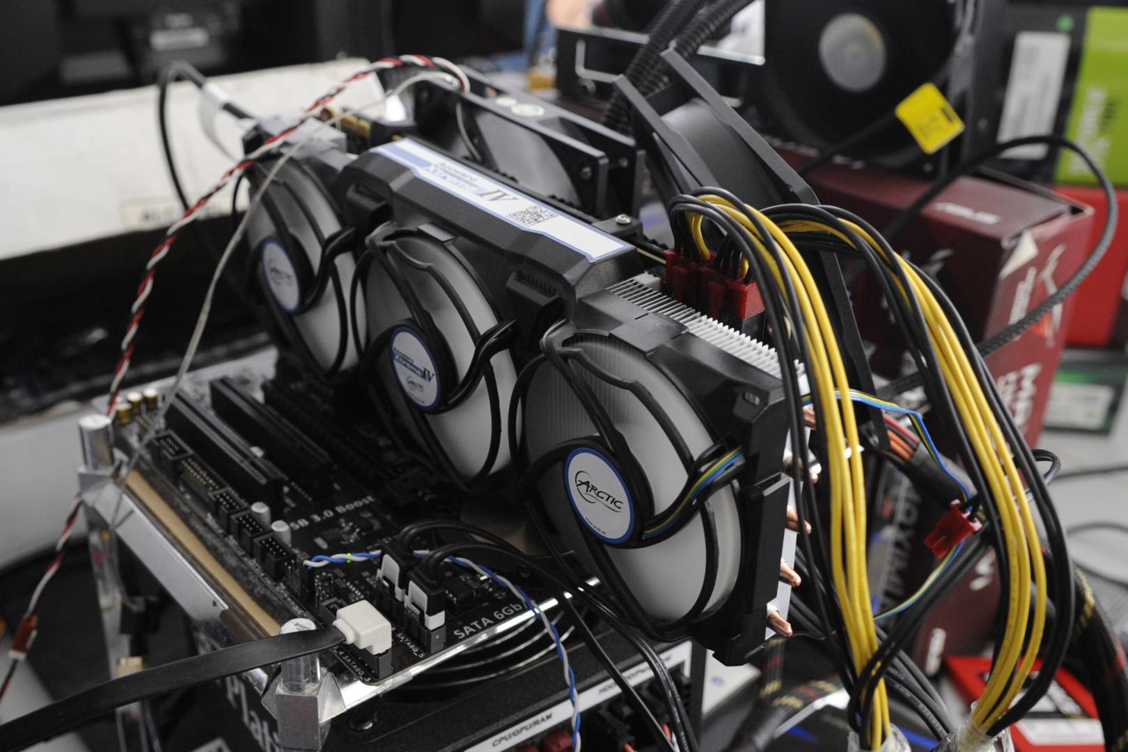 NVIDIA GeForce GTX Titan X Coupled With ARCTIC Accelero Xtreme IV
