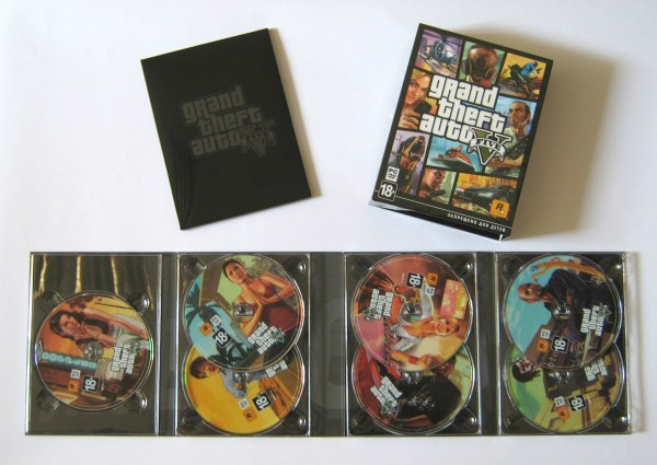 GTA V retail box