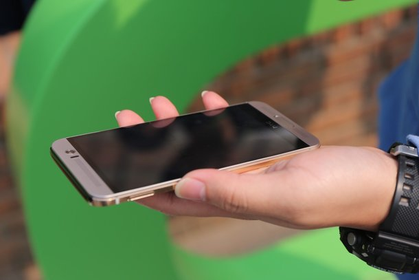 HTC-One-M9-Plus-official-images
