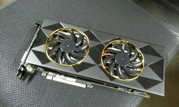XFX Radeon R9 390 Double Dissipation Allegedly Pictured
