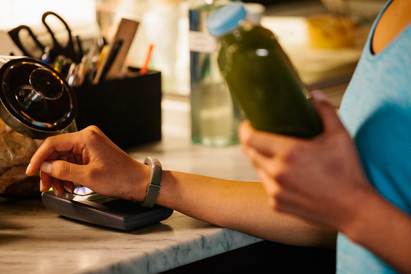 Apple Pay's And Apple Watch's Latest Rival In NFC payments Is Jawbone's UP4 Wrist Wearable