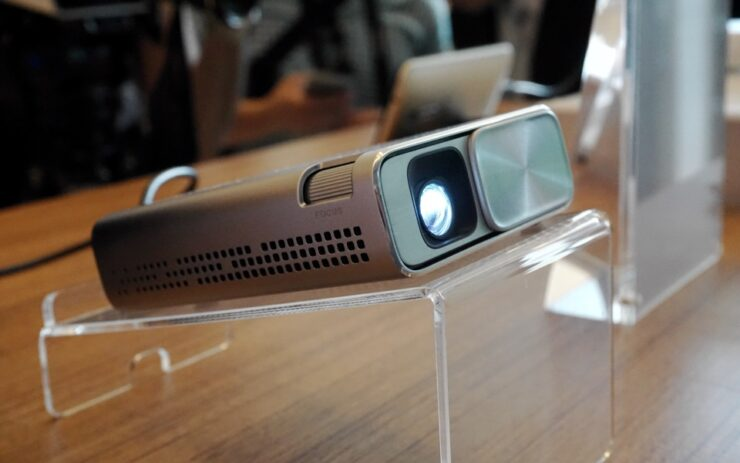 ASUS E1Z: A Small Projector That Plays Content From Android Devices