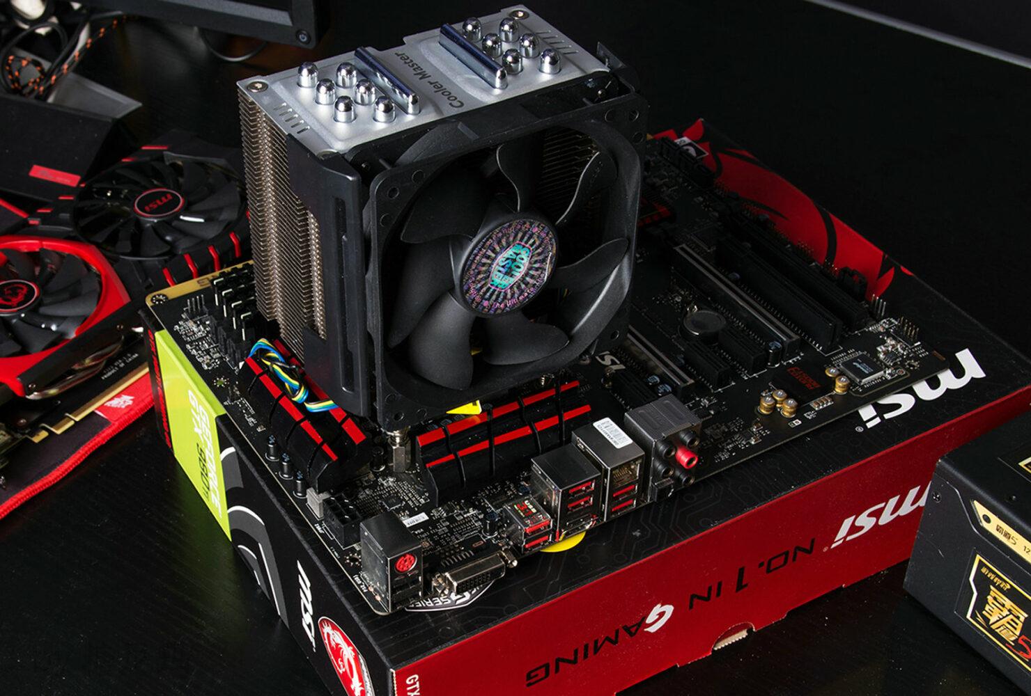 intel-core-i7-6700k-vs-core-i7-4790k_cooler-master-cooler