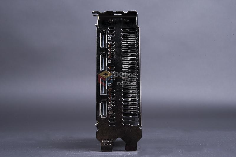 amd-radeon-r9-nano-graphics-card_display-connectors