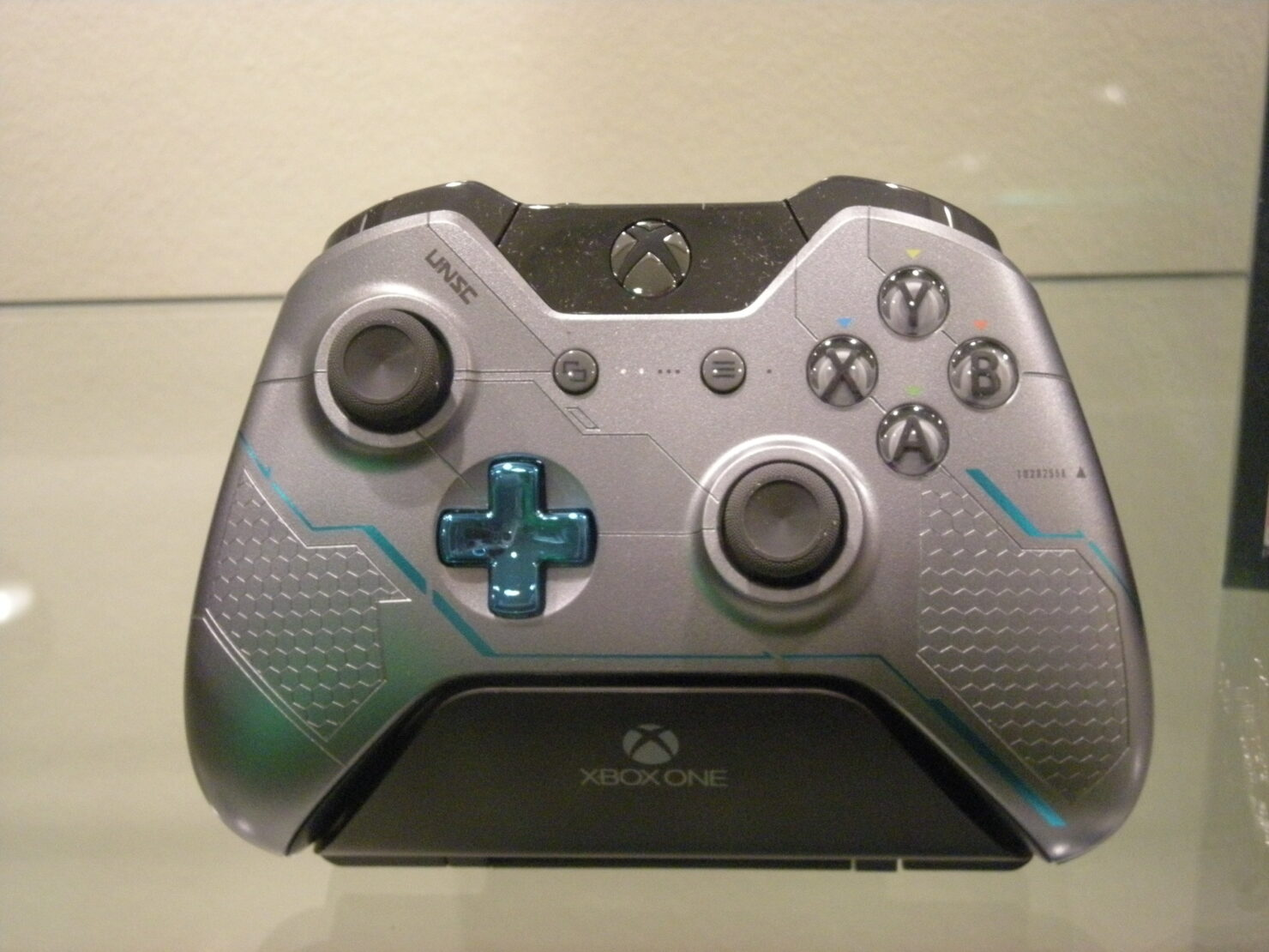 xbox-one-halo-5-special-edition-2