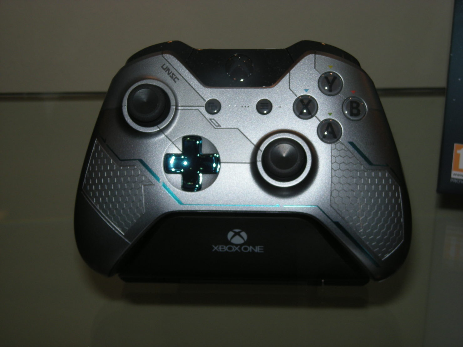 xbox-one-halo-5-special-edition-3