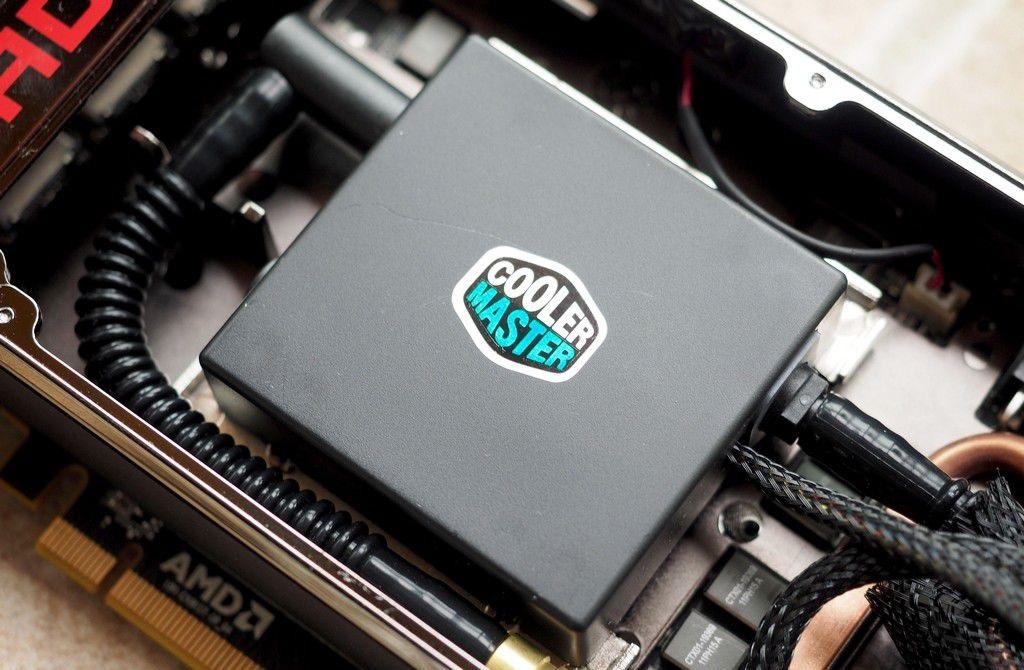 AMD R9 Fury X Cooler Master Pump