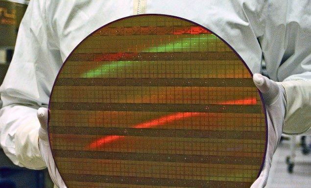 30mm-450mm-Silicon-Wafer-635x383