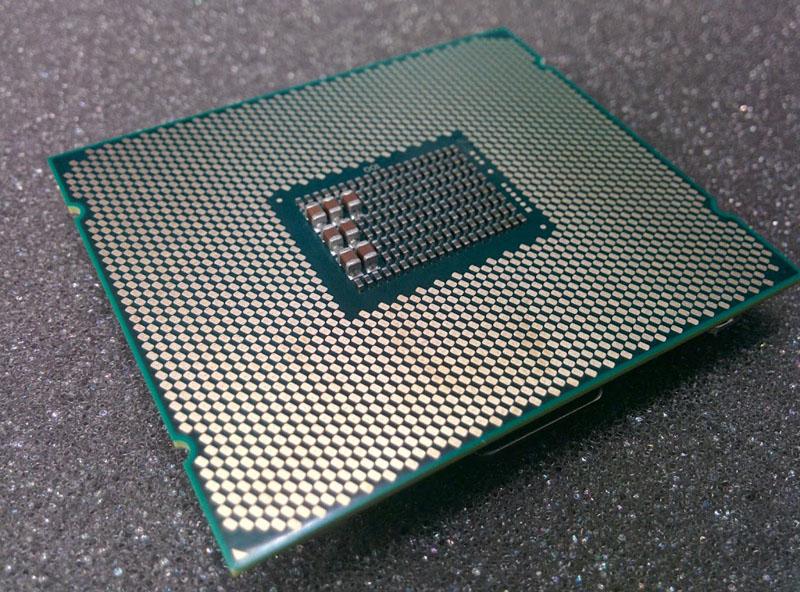 intel-broadwell-ep-chip_2
