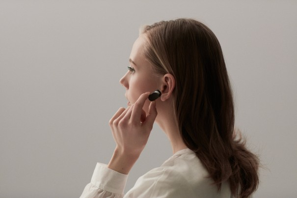 Xperia-Ear-Lifestyle-Touch-5d21c61813598eeb229f9b08ef72d704-605x403