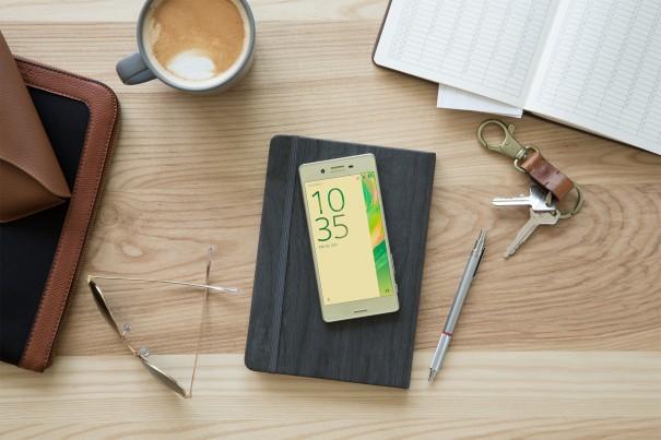 Xperia-X-Lime-Green-PIS-Design-085a3135585dd509c9fe7144ab68d1dd-605x403