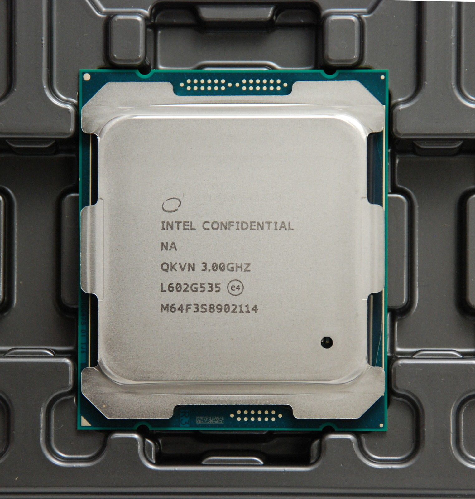 Intel Broadwell-E Core i7-6850K vs Core i7-5820K Haswell-E Benchmark Results Leaked - Clock-To ...