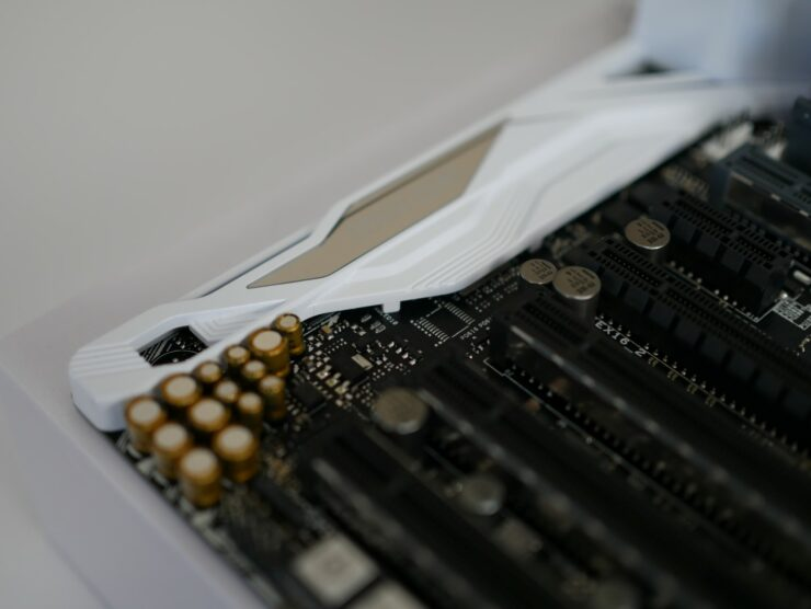 asus-x99-deluxe-ii-close-up-of-crystalsound-3