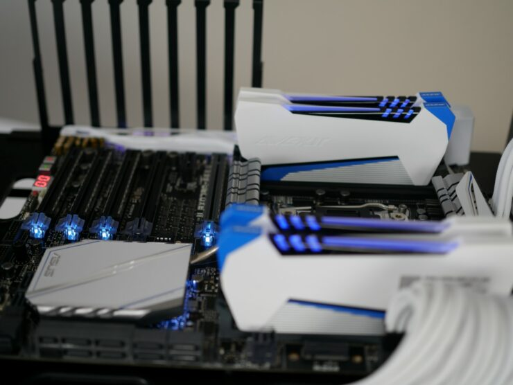 asus-x99-deluxe-ii-default-rgb-lighting-avexir-raiden-dimms-on