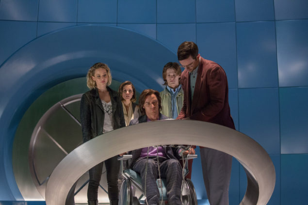 DF-05105 – (from left) Jennifer Lawrence as Raven / Mystique, Rose Byrne as Moira MacTaggert, James McAvoy as Charles / Professor X, Lucas Till as Alex Summers / Havok and Nicholas Hoult as Hank McCoy / Beast, in X-MEN: APOCALYPSE. Photo Credit: Alan Markfield.