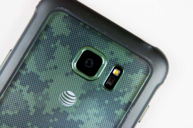 Galaxy S7 Active Isn't So Active Anymore In Two Water Dunk Tests – A Colossal Hit To Samsung