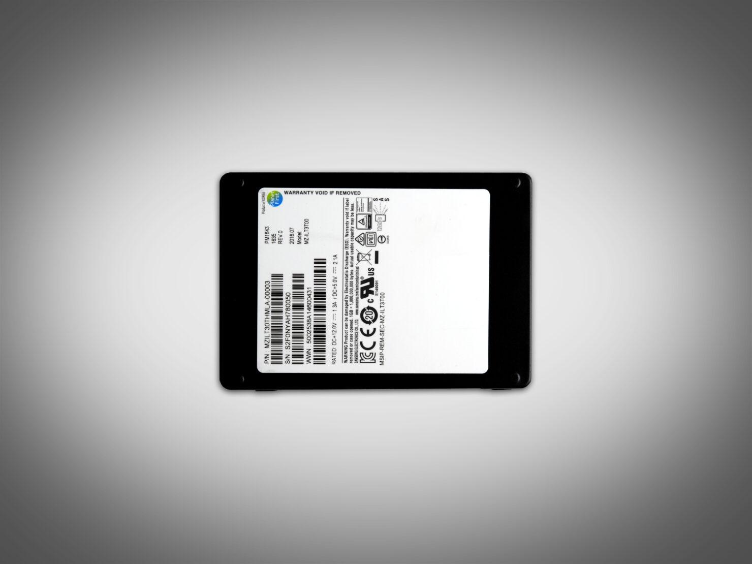 Samsung 32TB SSD 2.5-inch