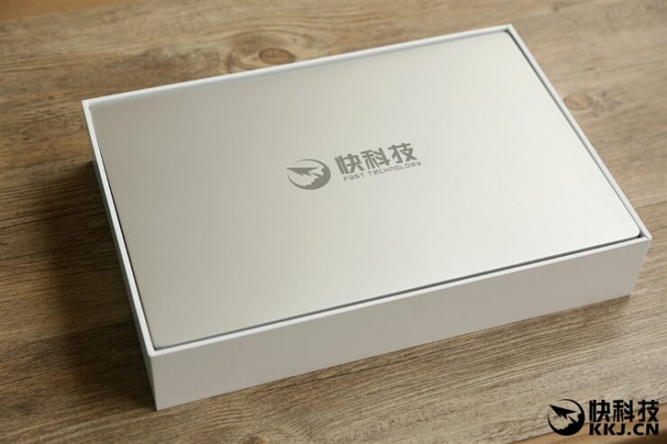 xiaomi-mi-notebook-air-close-up-shots-and-unboxing-1