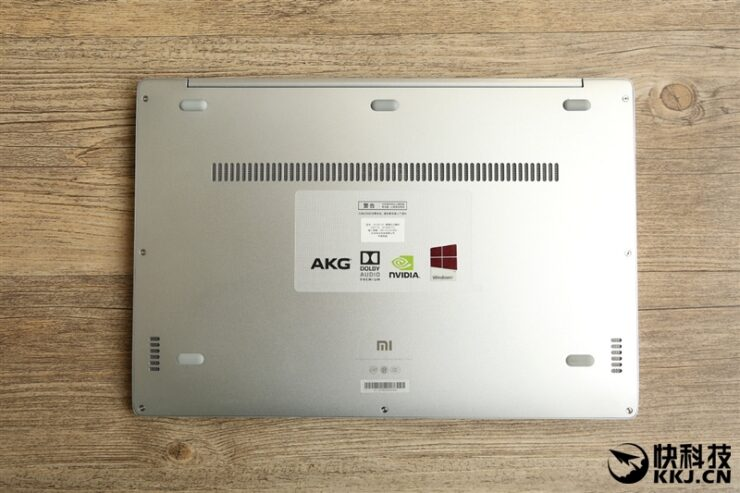 xiaomi-mi-notebook-air-close-up-shots-and-unboxing-14