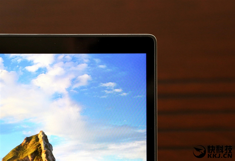 xiaomi-mi-notebook-air-close-up-shots-and-unboxing-27