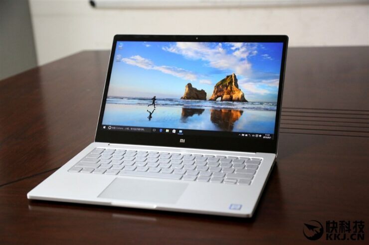 xiaomi-mi-notebook-air-close-up-shots-and-unboxing-31