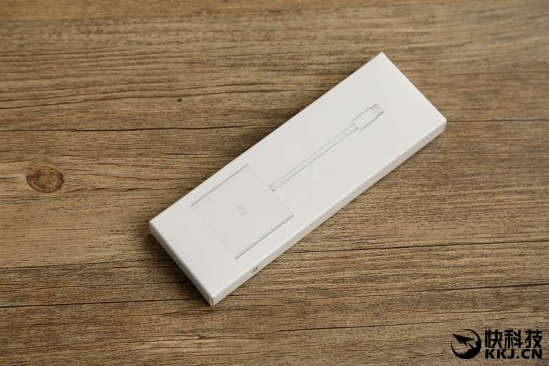 xiaomi-mi-notebook-air-close-up-shots-and-unboxing-5