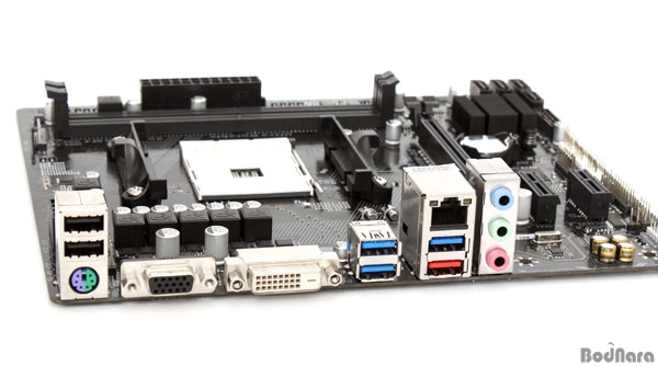 amd-am4-gigabyte-motherboard-3
