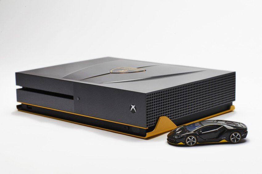 custom-xbox-one-s-lamborghini-centenario-xbox-one-s-4
