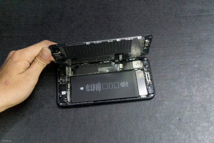 iphone-7-plus-teardown-1