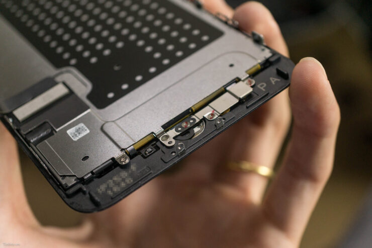 iphone-7-plus-teardown-17