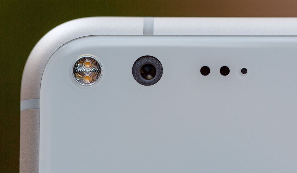 Google Pixel Camera Freeze Issue Could Be Caused by Low Connectivity
