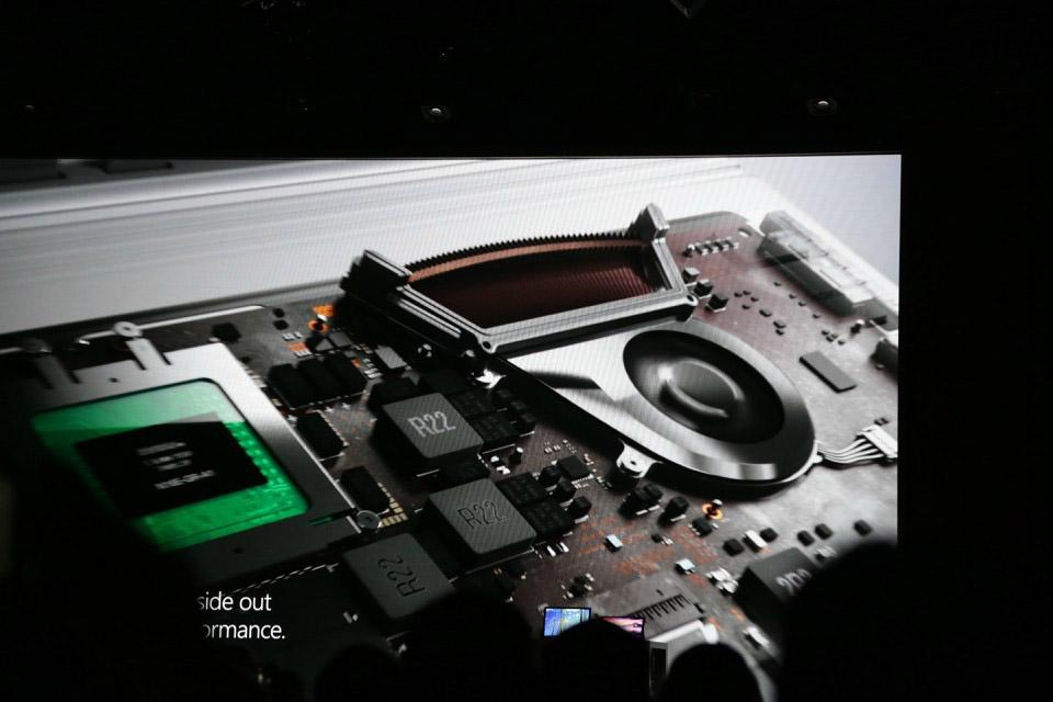 Microsoft Surface Book i7 (2)