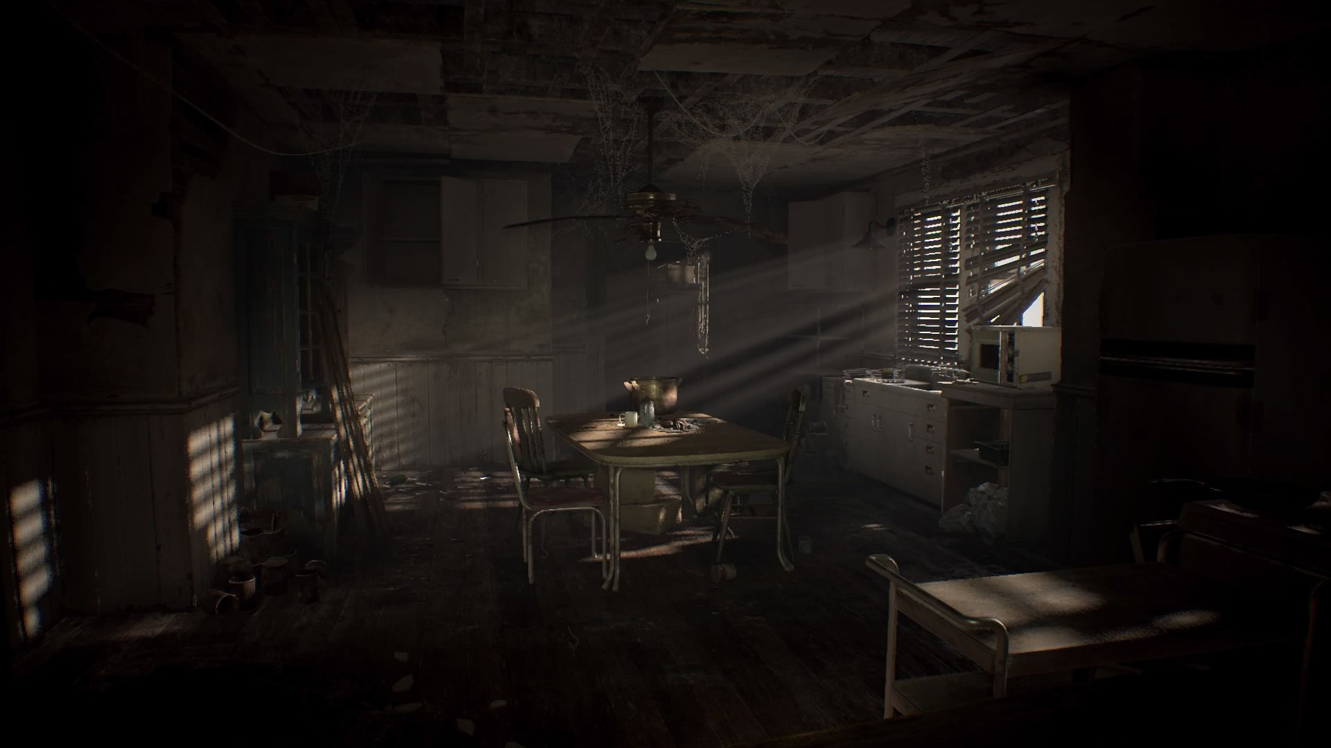 Resident Evil 7 New Short Trailers Showcase Item Examination Eerie Puzzle