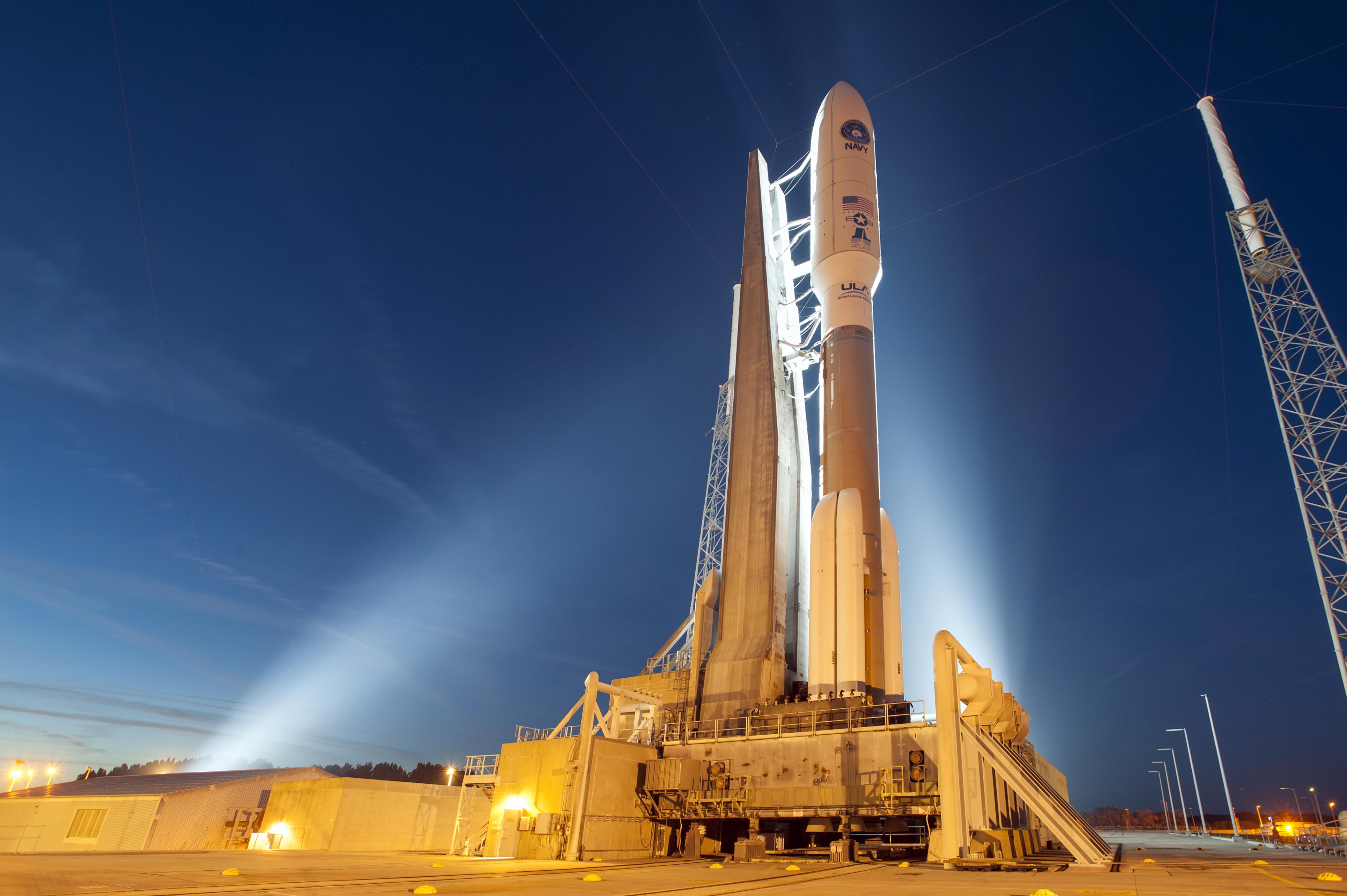 cohete Atlas V de United Launch Alliance con satélites de Amazon