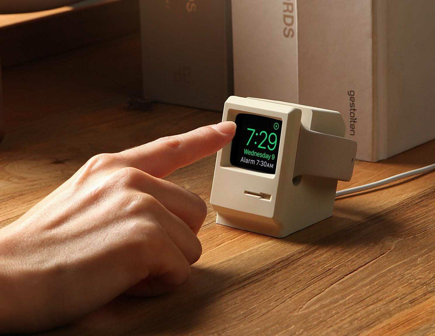 Elago W3 transform Apple Watch Macintosh
