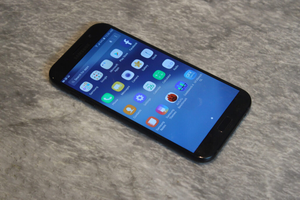 Galaxy A7 (2017) Review: The Mid-Ranger With Flagship